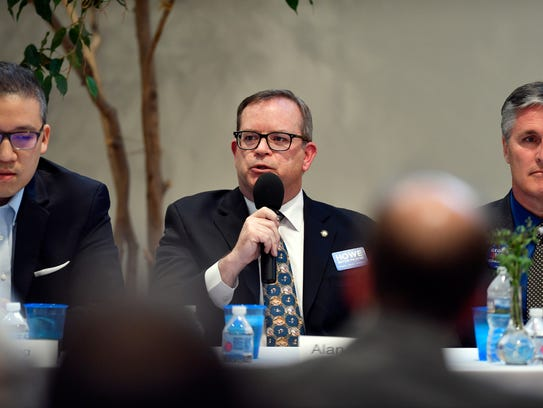 Alan Howe speaks at a candidate forum on Wednesday, April 18, 2018, at the Unitarian Universalist Church of York.