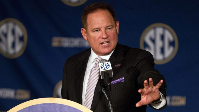 LSU Tigers head coach Les Miles talks to the media during the SEC Football Media Days at the Wynfrey Hotel in Hoover, Ala.