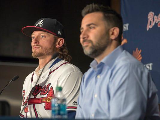 Braves_Donaldson_Baseball_91081.jpg