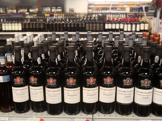 BRI EST 1209 Wine Chateau Le Malt Lounge