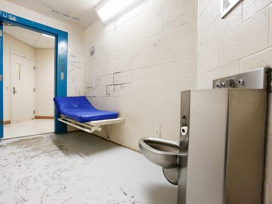 -FALBrd_03-13-2013_Tribune_1_M001~~2013~03~12~IMG_-Jail_Cell_Cascade_C_1_1_K.jpg