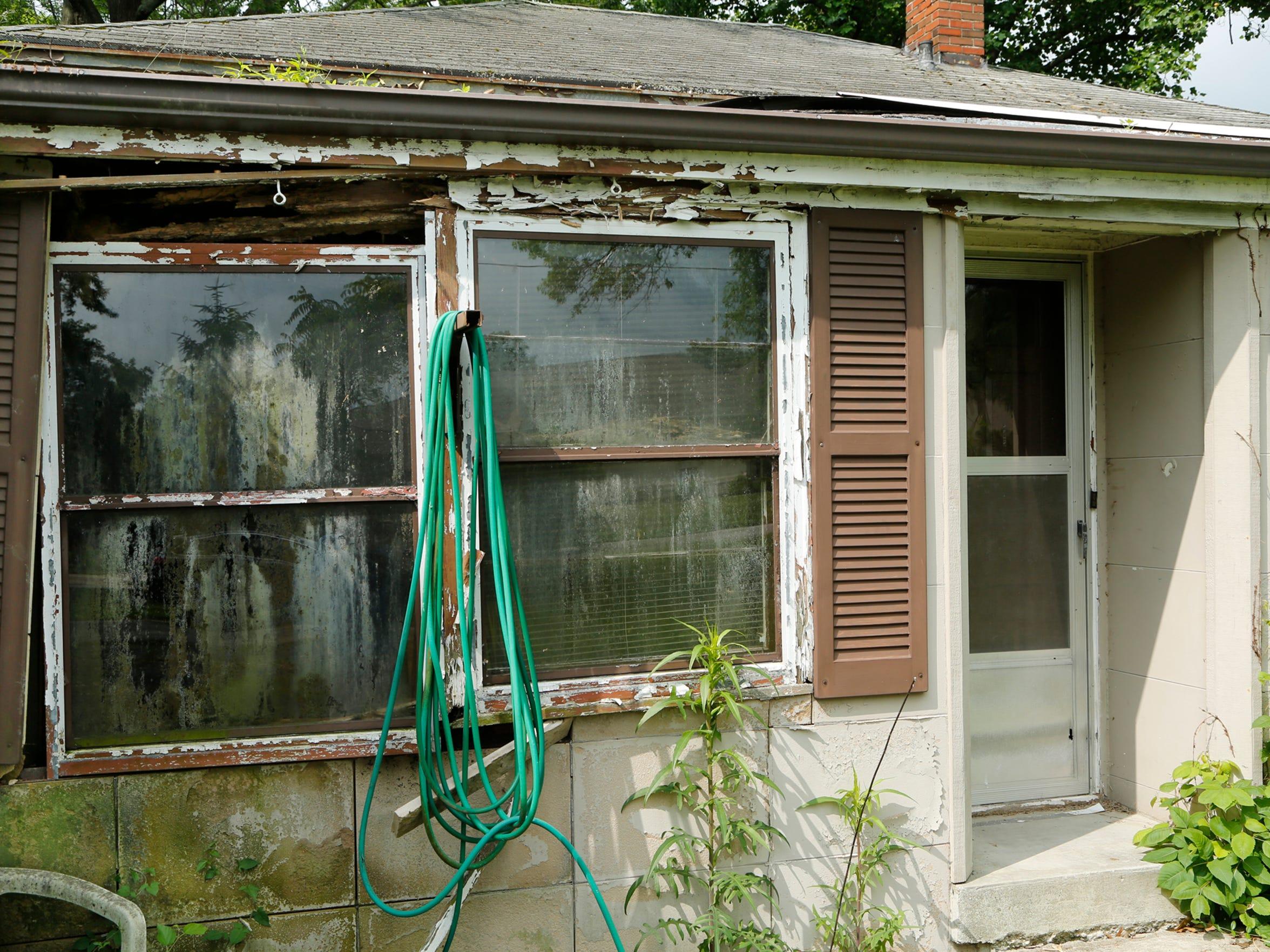 LAF This Old Dilapidated House_11.jpg