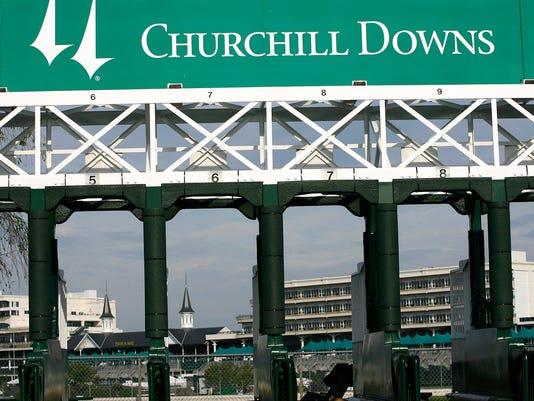 ChurchillDownsLusterMay2007.jpg