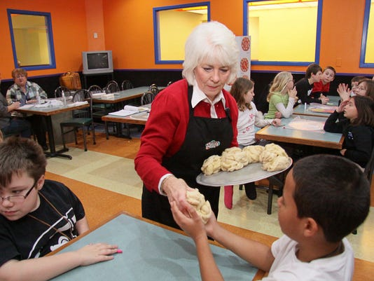 CLARKSVILLE ELEMENTARY STUDENTS LEARN FRACTIONS