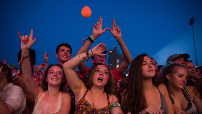 Fans reacted to Weezer closing out Forecastle on Sunday night. July 16, 2017.