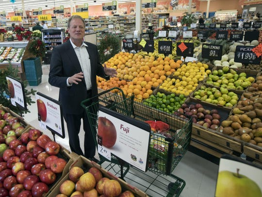 Brian Wansink, a food behavior scientist at Cornell University, speaks at an Ithaca supermarket. In a study of 1,200 shoppers, every minute spent in the produce section meant $1.80 more in fruit and vegetable sales.