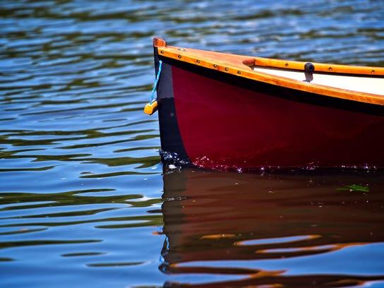 BUR20150714guideboat3