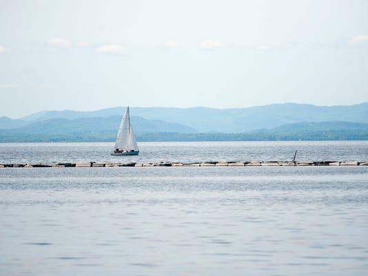 BUR 0529 lake sailing C3