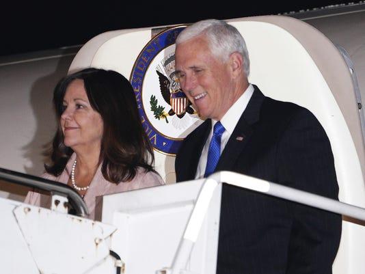 Mike Pence,Karen Pence