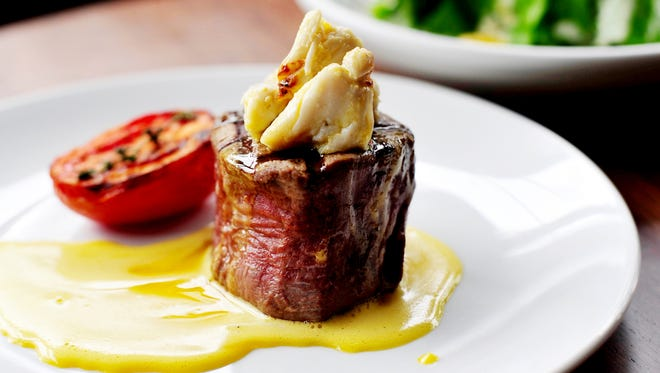 Oak Steakhouse: Steak and Lobster