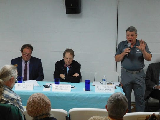 Congressional candidate Steve Woodsmall speaks at a