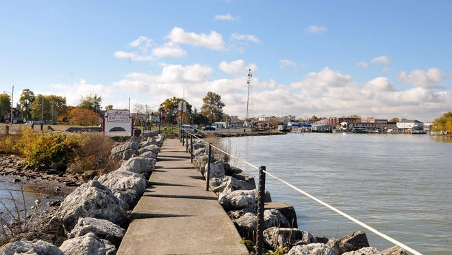 City council passed Ordinance 16-15 on Thursday night, putting an issue on the November ballot allowing the Safety-Service Director to enter into talks with developers for Water Works Park.