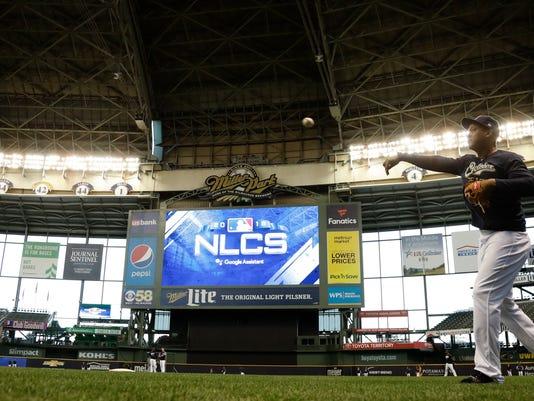 NLDS_Rockies_Brewers_Baseball_03172.jpg