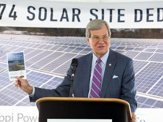 Former U.S. Sen. Trent Lott speaks at the dedication