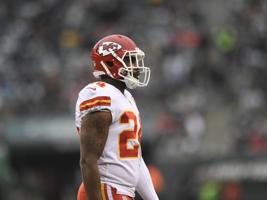 Kansas City Chiefs defensive back Darrelle Revis (24) faces his former team. Kansas City Chiefs at the New York Jets in East Rutherford, NJ on Sunday, December 3, 2017.