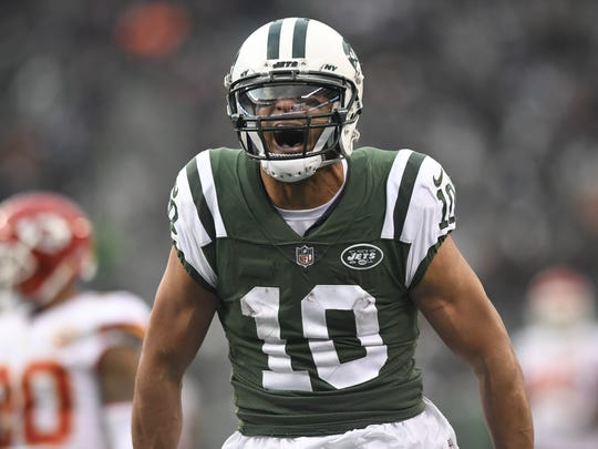 New York Jets wide receiver Jermaine Kearse (10) reacts after completing a long pass down the field in the fourth quarter. The New York Jets defeat the Kansas City Chiefs 38-31 in East Rutherford, NJ on Sunday, December 3, 2017.