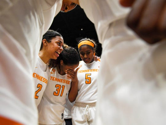 Tennessee Lady Volunteers guard Evina Westbrook (2),