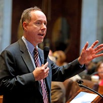 Vos expands per-diem pay for state lawmakers