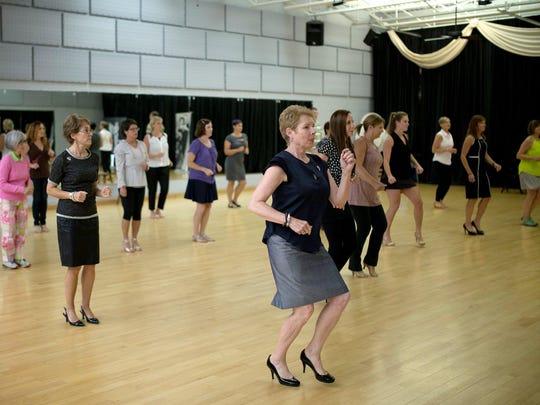 DancingSurvivors_091715_SG01
