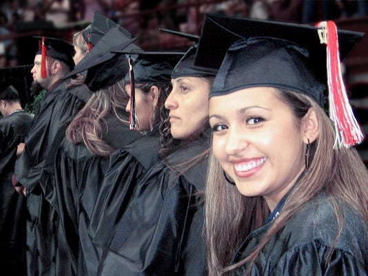 636522190873395903-Graduates-0168.jpg