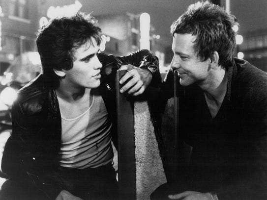 a review of the plot of the story rumble fish In rumble fish, rusty-james has a series of violent and formative experiences in his youth he's stabbed early in the novel, and his brother, motorcycle boy, is shot by police while trying to free.
