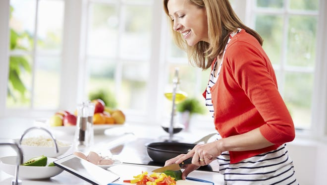 Enjoy healthy great-tasting meals and get a head start on your week with a free 7-day healthy eating plan based on the DASH diet.
