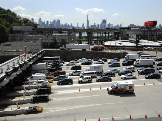 Buses collide in Lincoln Tunnel