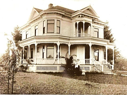 An early photograph of the Brown House in Stayton.