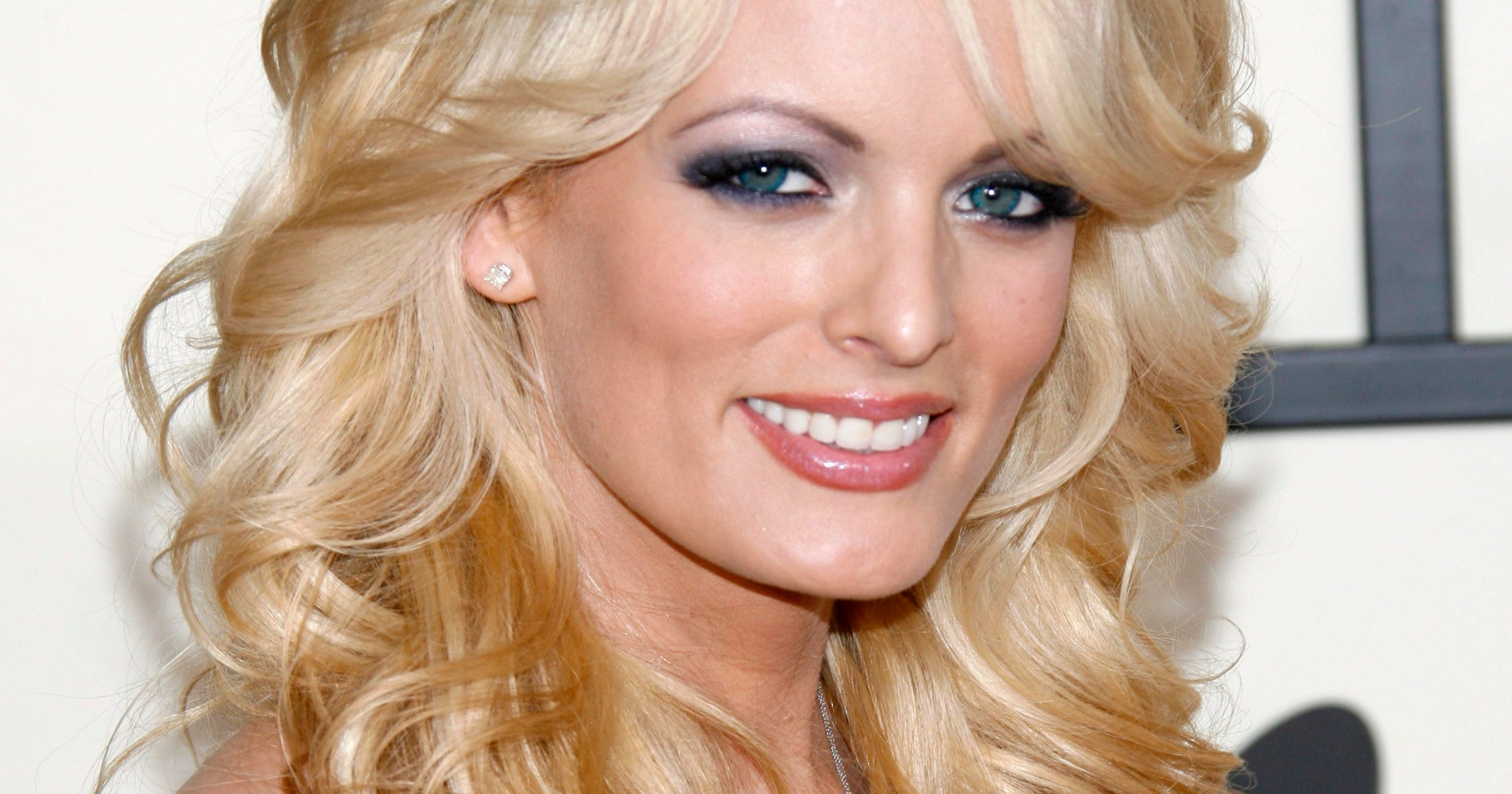 Trumps Lawyer Secured A Restraining Order Against Stormy -6955