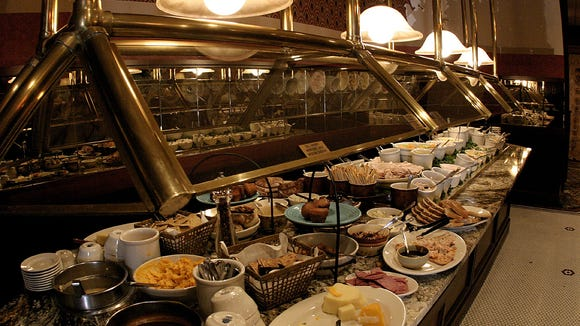 Minervas buffet. April 26, 2006.  Greg Undeen/for the