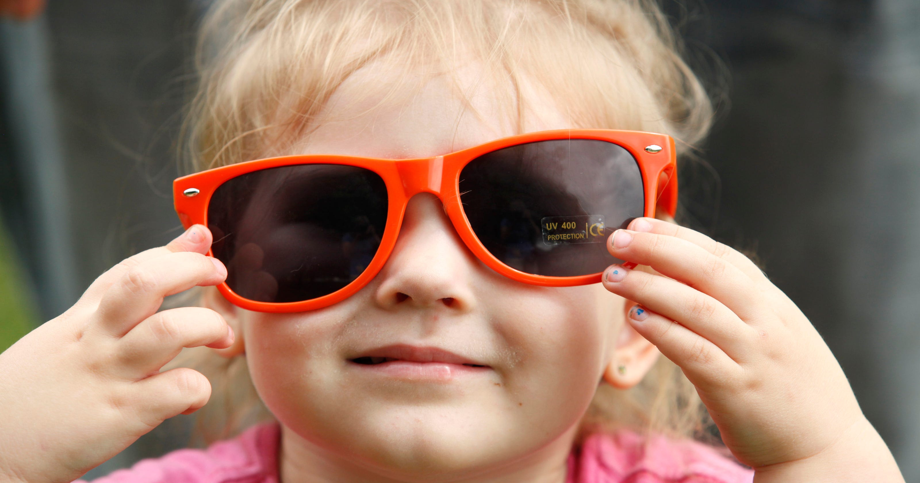 db1b287fadc Ask the experts  Do my children need to wear sunglasses