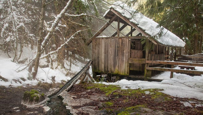Bagby Hot Springs makes an alluring but troublesome place to visit in winter.