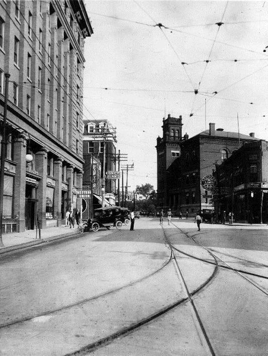 OREGON-STREET-CIRCA-1917