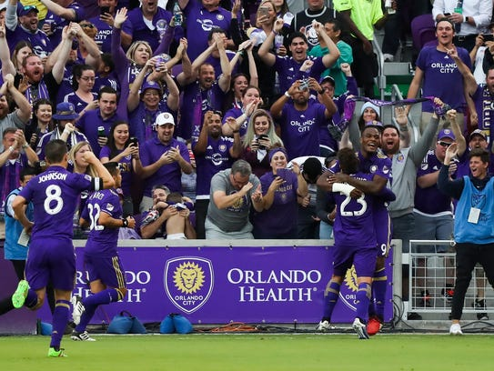 Orlando City SC forward Cyle Larin (9) celebrates with