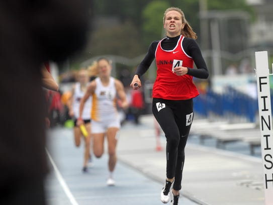 Linn-Mar's Payton Wensel reacts after taking second