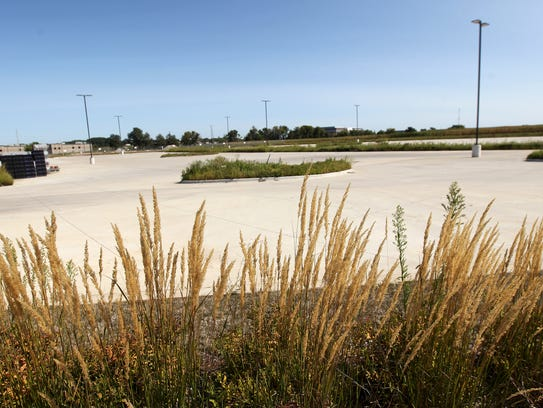 The future location of Hy-Vee along Crosspark and Forevergreen