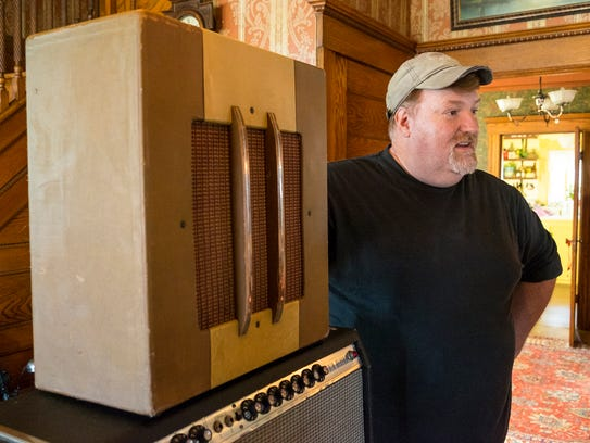 Chris Troy talks about a 1946 Gibson BR4 guitar amplifier