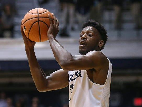 Butler Bulldogs guard Kamar Baldwin (3) passes during
