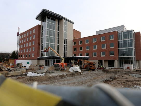 For some IUPUI students, off-campus housing means resort ...