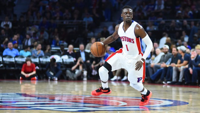 Detroit Pistons guard Reggie Jackson drives  against the Cleveland Cavaliers on April 22, 2016.