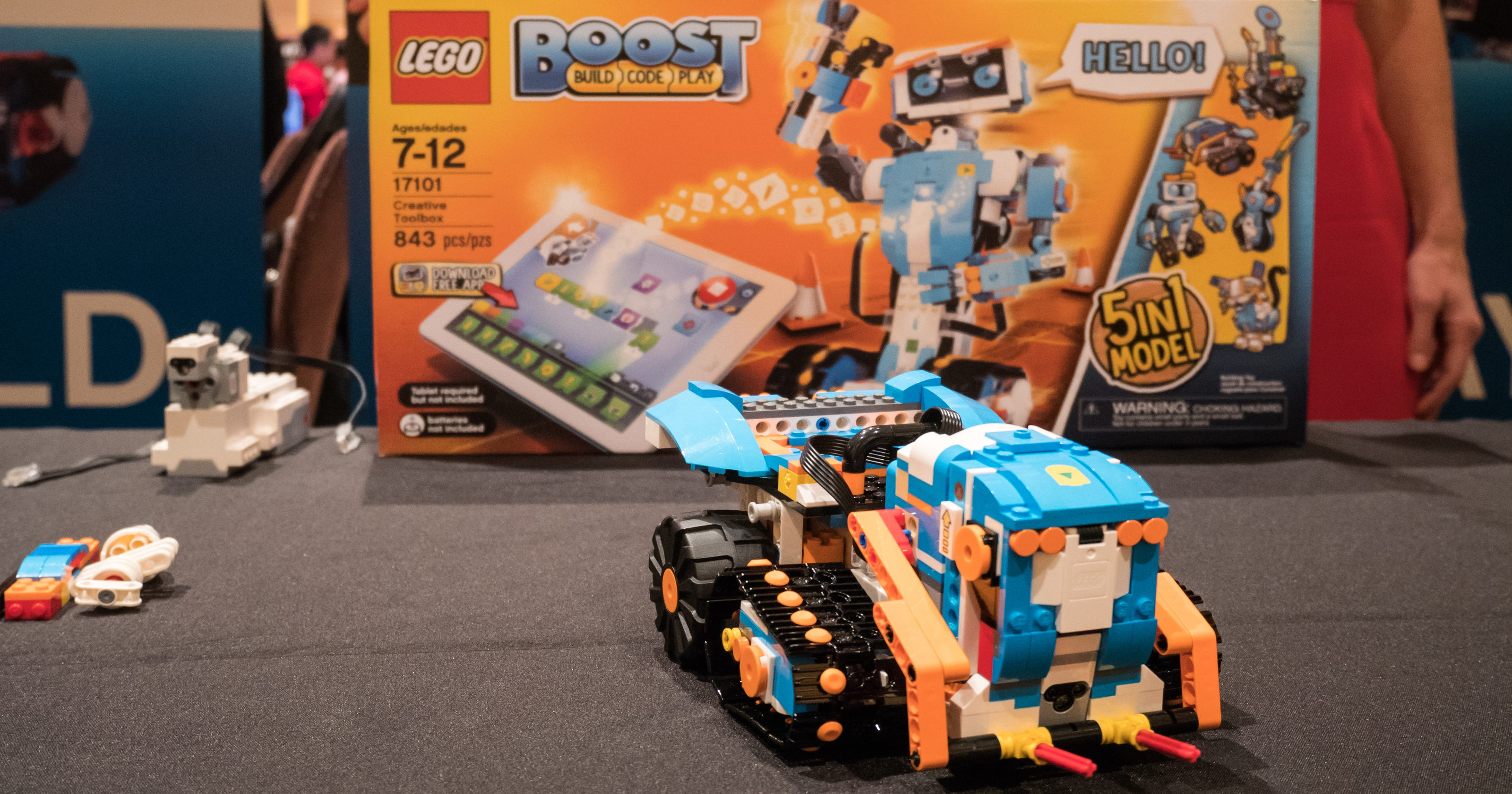 Lego's new kit teaches your kids how to build robots