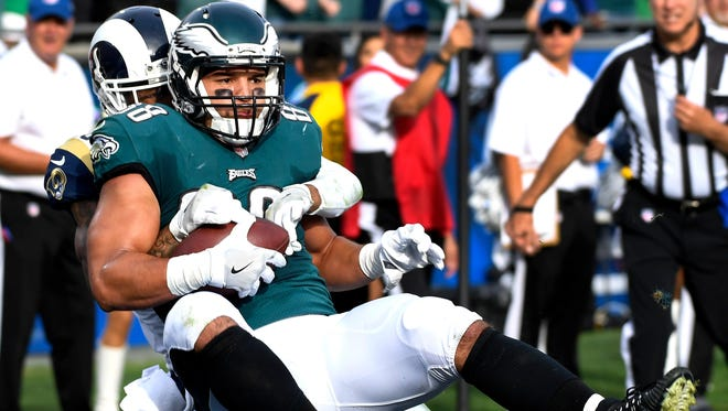 Trey Burton scored five touchdowns as a backup tight end for the Eagles last season.