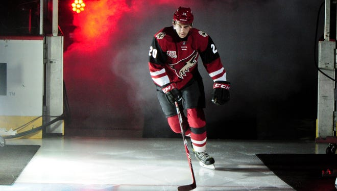 Oct 15, 2016; Glendale, AZ, USA; Coyotes center Dylan Strome (20) takes the ice to start the game against Flyers at Gila River Arena.