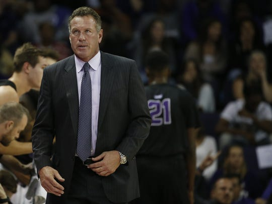 GCU's head coach Dan Majerle looks up at the scoreboard