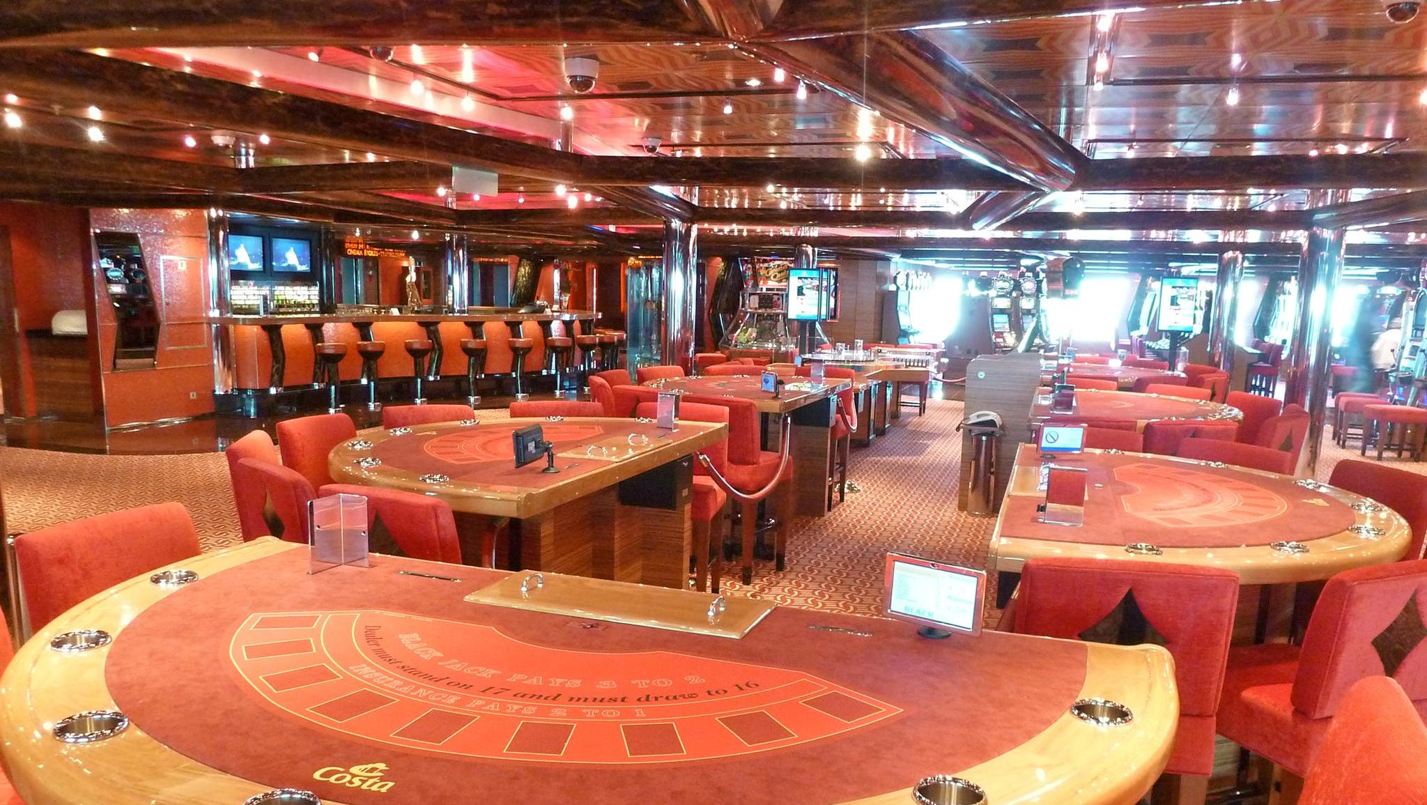 This is a starboard-facing view of Casino Gaius.