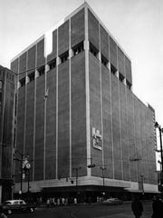 In 1962, Mabley and Carew took over the remodeled Rollman's building at Fifth and Vine streets.