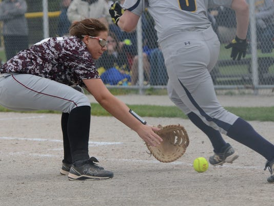 3_PTC_0521_Genoa_softball.jpg