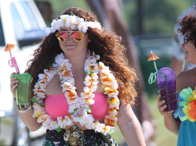 Jimmy Buffett fans were dressed and ready to party before the concert at Klipsch Music Center June 26, 2014.