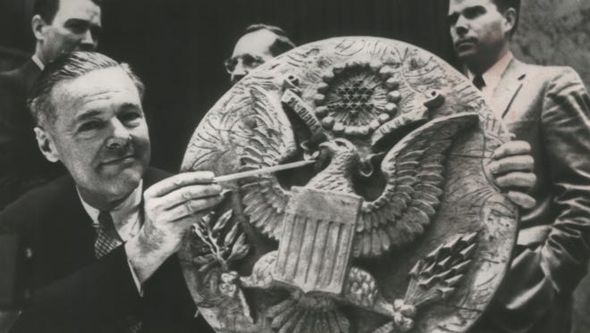 Ambassador Henry Cabot Lodge shows the United Nations Security Council the seal in which a listening device was planted by Soviet spies on May 26, 1960.