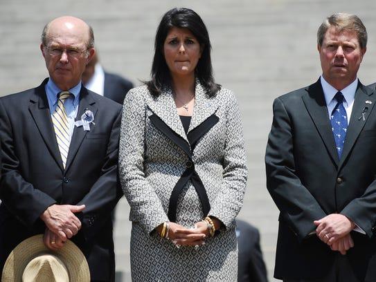 La gobernador Nikki Haley y dos congresistas de Carolina